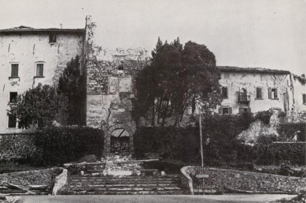 Il Castello di Colloredo di Monte Albano dopo il terremoto del 6 maggio 1976.