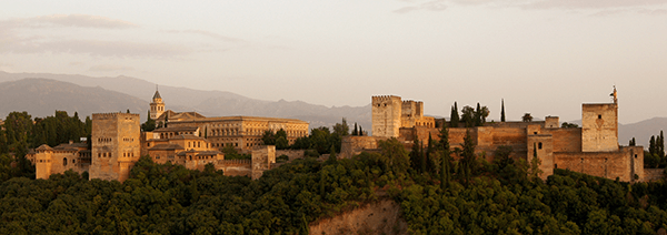 Alhambra_in_the_evening-crop