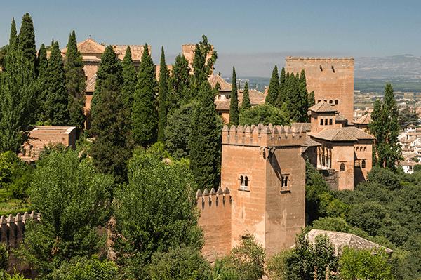 Alhambra_from_Generalife_1_Grenade-crop