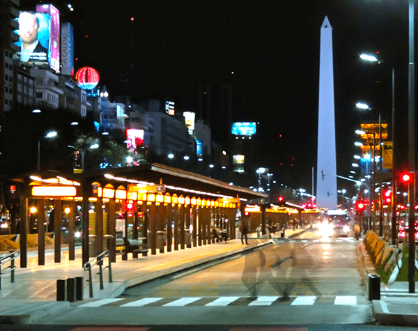 MetroBus_y_Obelisco-crop
