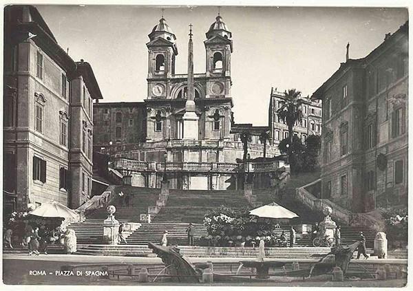 RM-Roma-1957-piazza-di-Spagna-crop