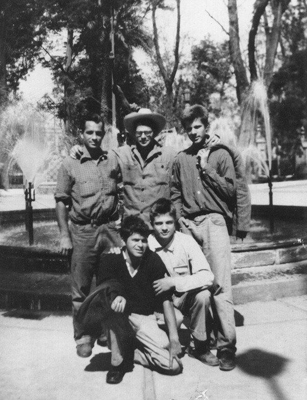 Jack Kerouac, Allen Ginsberg, Peter Orlovsky, Lafcadio Orlovsky, Gregory Corso. Mexico City, November 1956./ Allen Ginsberg Estate.