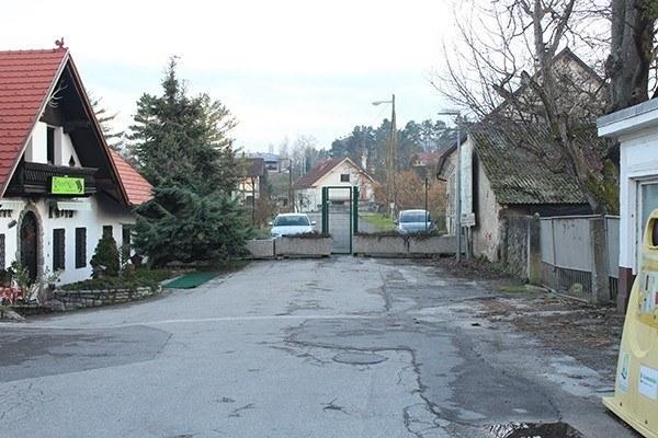 Slovenian side of Samoborska street in Obrežje